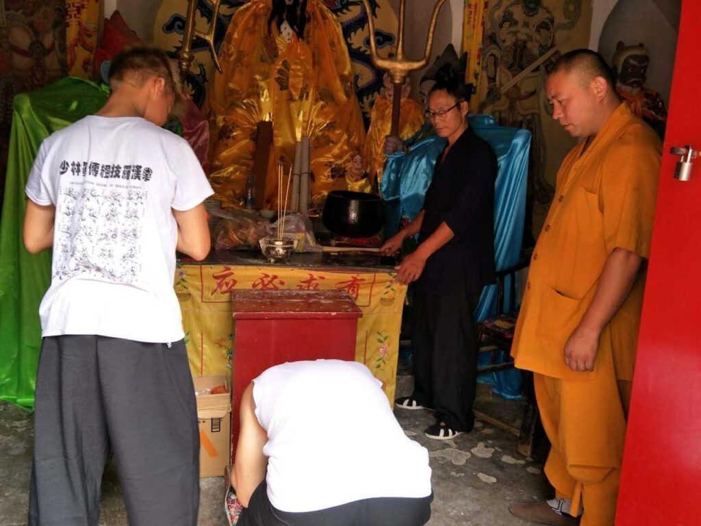 disciples worship buddha the master stands by